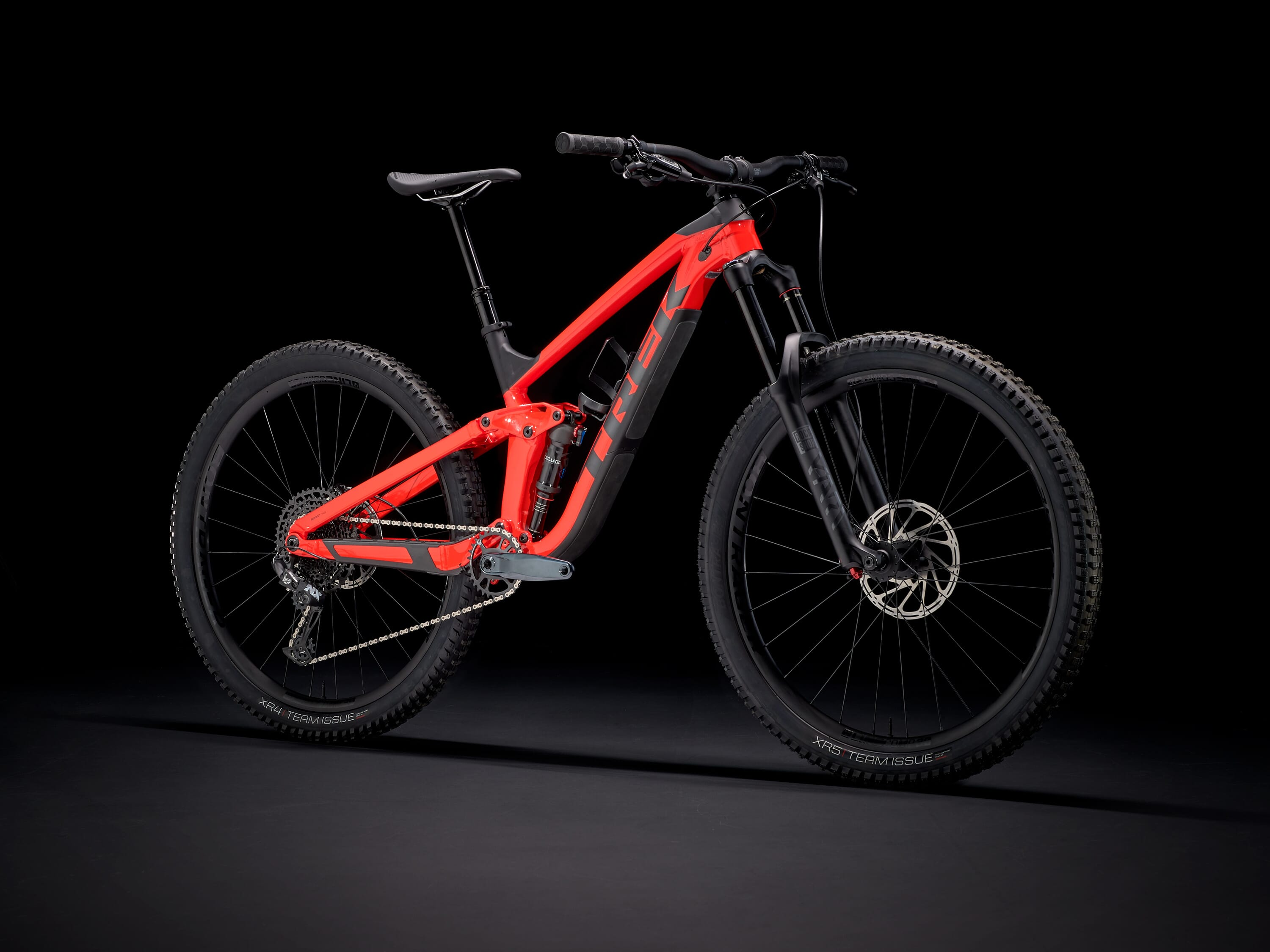 2021 Trek Slash 7 NX.jpg