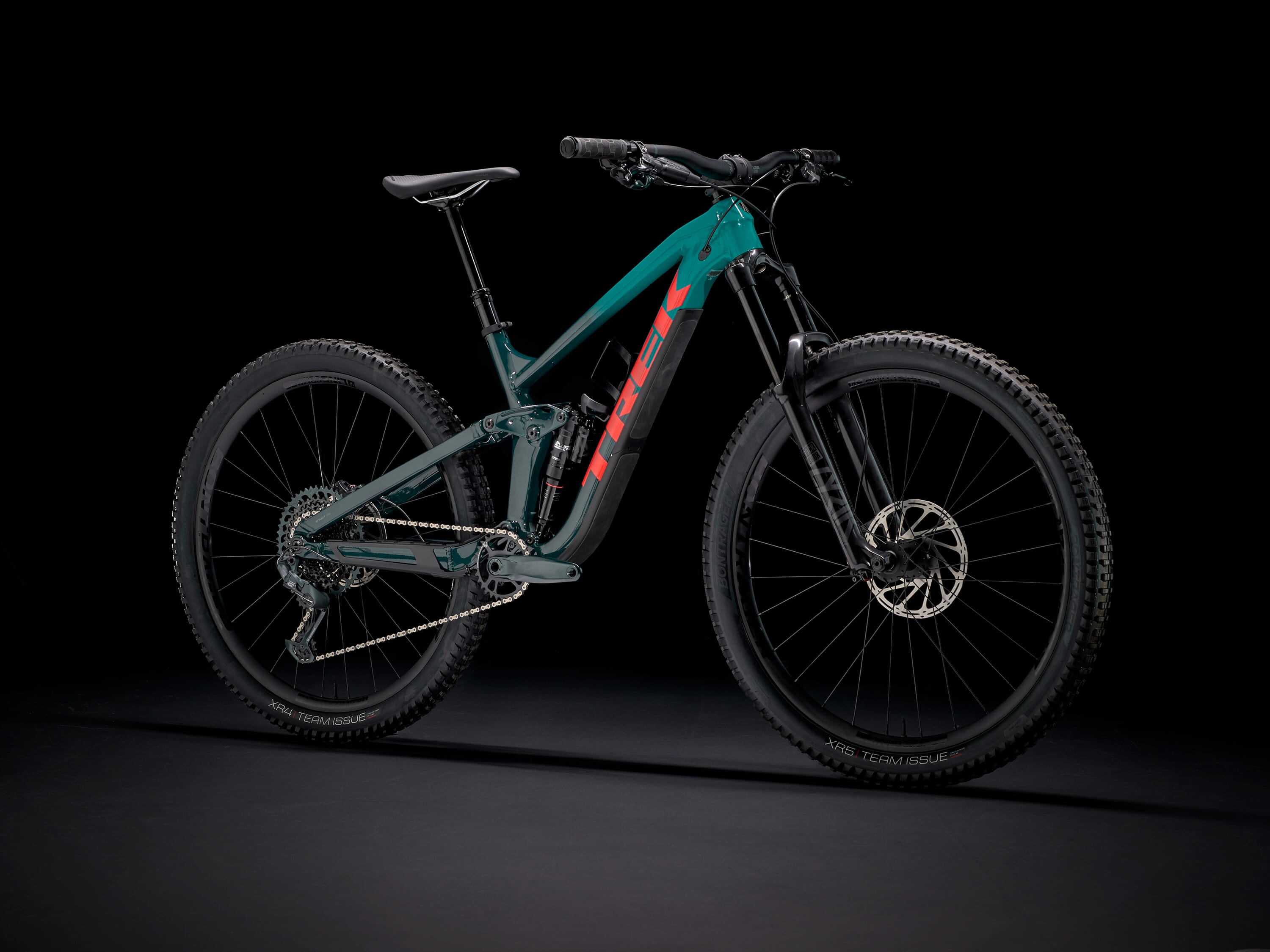 2021 Trek Slash 8 GX.jpg